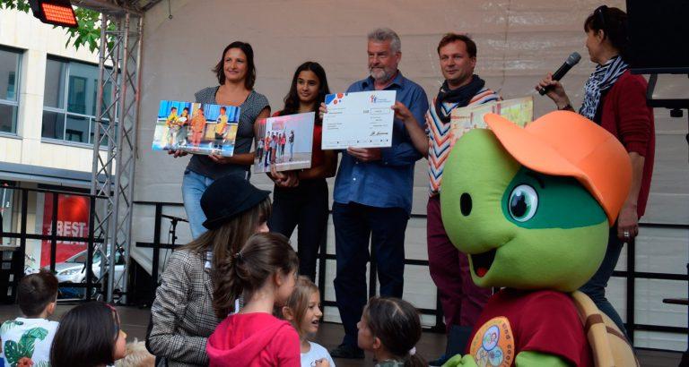 Scheckübergabe durch das Deutsche Kinderhilfswerk an das Kinderrechtetheater 2019